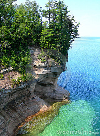 Free Emerald Waters On Lake Superior Royalty Free Stock Image - 11040456