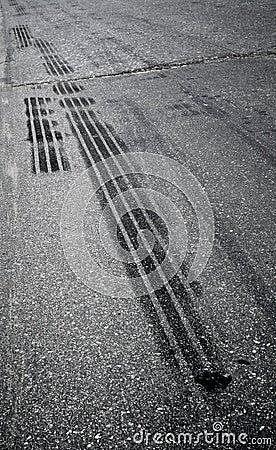 Emergency braking tracks