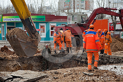 Emergency repairs  in Vladimir, Russia. Editorial Stock Photo