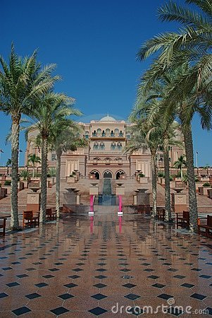 Free Emirates Palace Abu Dhabi Royalty Free Stock Photo - 14237915
