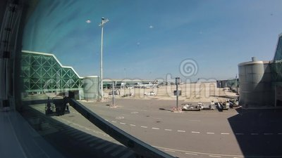 Emiratos Boeing 777 en el aeropuerto de Dubai almacen de video