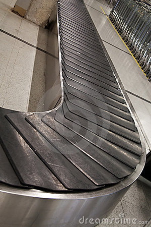 Empty baggage belt