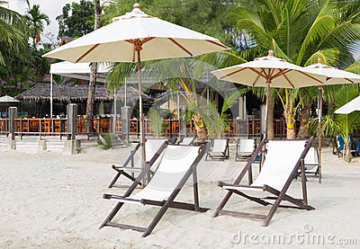 Empty beach beds