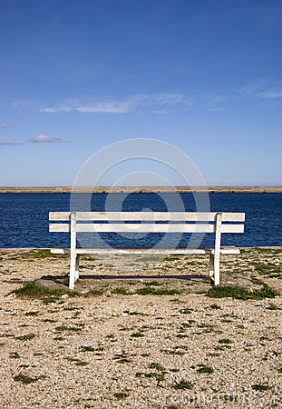 Free Empty Bench At The Pier Stock Photo - 37225290