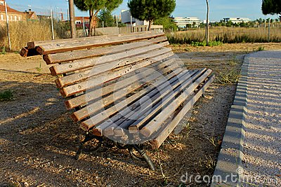 Empty bench in the evening