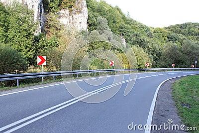 Empty bend road