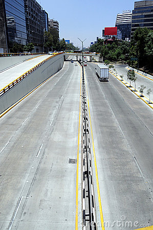 Free Empty Highway In Mexico City Royalty Free Stock Images - 9223069