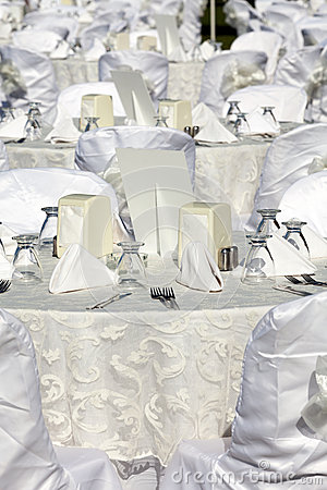 Free Empty Served Restaurant Table Stock Photography - 26590872