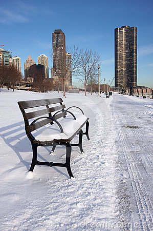 Free Empty Snowy Bench In Chicago Royalty Free Stock Image - 4042686