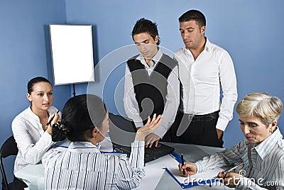 En el medio de la reunión de negocios