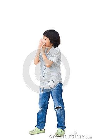 En pojke ropar