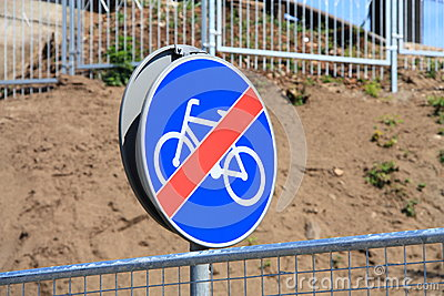 End of cycle lane sign