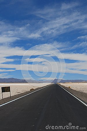 Free Endless Road Royalty Free Stock Image - 104267466
