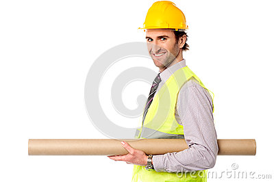 Engenheiro civil feliz que guardara o modelo