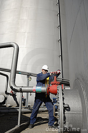Engineer, pipelines oil and gas