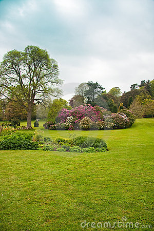 English country formal garden