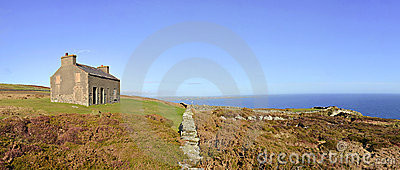 English Coutryside Panorama Abandoned House Chasms