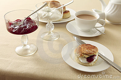 English cream tea horizontal