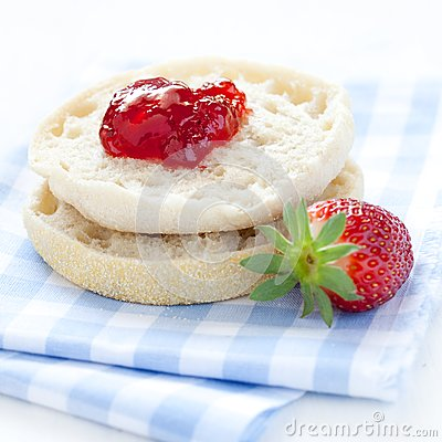 English muffin with jam