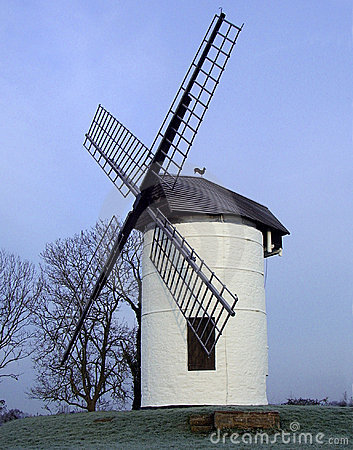 Free English Windmill Royalty Free Stock Photos - 420558