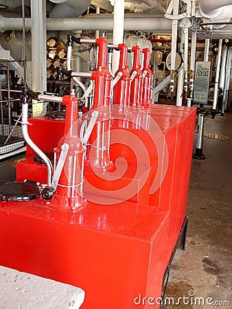 Engrasadores rojos brillantes