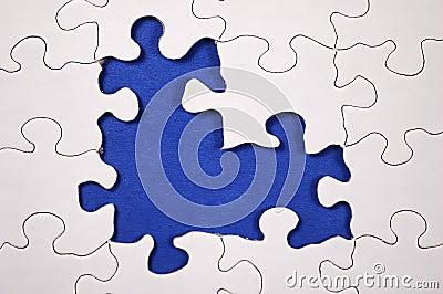 Enigma com obscuridade - fundo azul