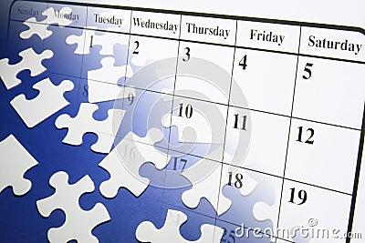 Enigmas e calendário de serra de vaivém