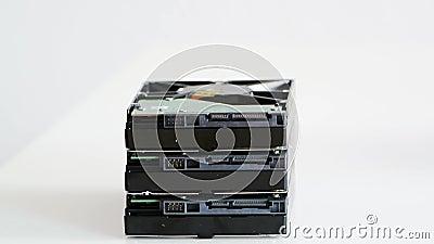 Enlever l'unité de disques de HDD de la pile banque de vidéos
