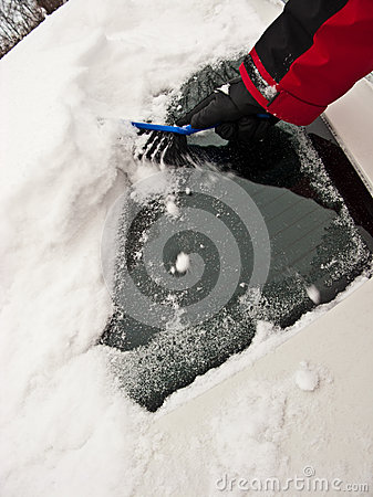 enlever la neige du pare brise photographie stock image 37535262. Black Bedroom Furniture Sets. Home Design Ideas