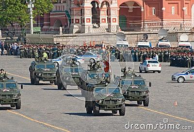 Ensaio da parada da vitória: GAZ-2330 Imagem Editorial