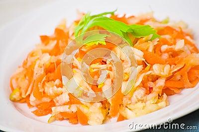 Ensalada con apio zanahorias y manzanas fotograf a de - Ensalada de apio y zanahoria ...