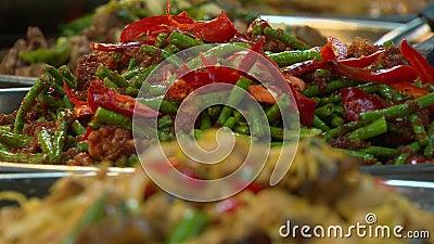 Ensalada de judía verde frita frita, restaurante, Asia almacen de video