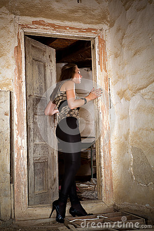 Free Entering A Derelict House Royalty Free Stock Images - 25154099