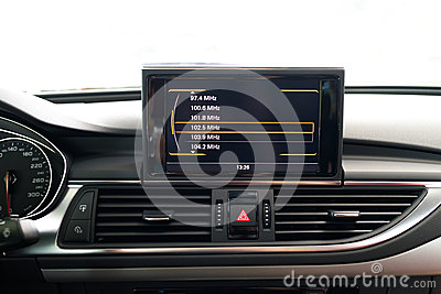 Entertainment system in car