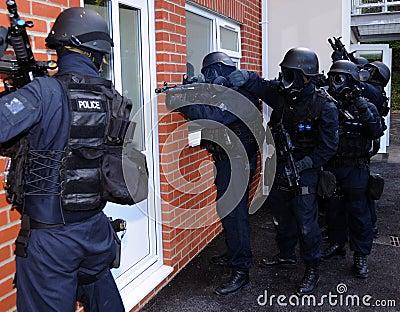 Entrée de maison de SWAT