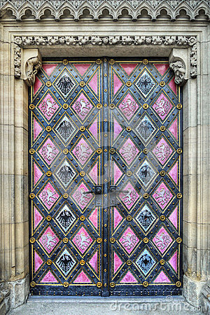Free Entrance Door Art Church Royalty Free Stock Photography - 36641607