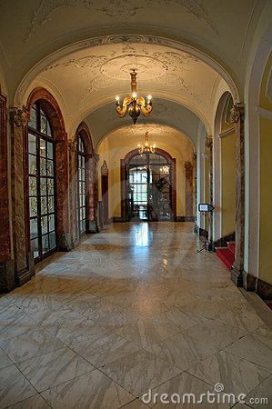 Free Entrance Hall Stock Images - 9879124