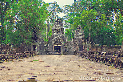 Entrance stone path from Ta Som temple. Angkor Wat