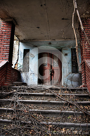 Free Entrance To An Old House Royalty Free Stock Photo - 31352085