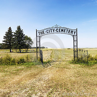 Free Entrance To Cemetary. Royalty Free Stock Photos - 3187848