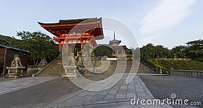 Entrance to the famous Kiyomizu dera temple in Kyoto, Japan
