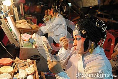Entre bastidores en el teatro chino Foto de archivo editorial