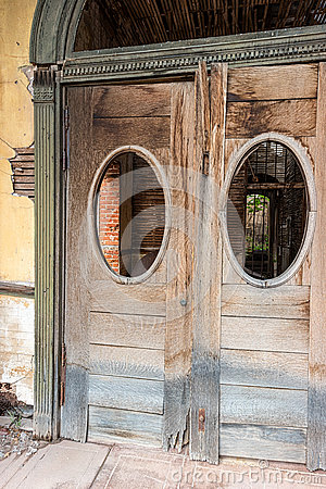 Free Entry Doors, Historic Commercial Building Stock Photos - 70109093