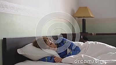Sohn Im Schlaf
