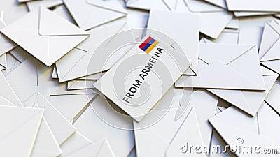 Enveloppe avec texte From Armenia sur pile d'autres enveloppes Animation 3D conceptuelle liée au courrier international clips vidéos