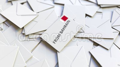 Enveloppe avec texte de Bahreïn sur pile d'autres enveloppes Animation 3D conceptuelle liée au courrier international banque de vidéos