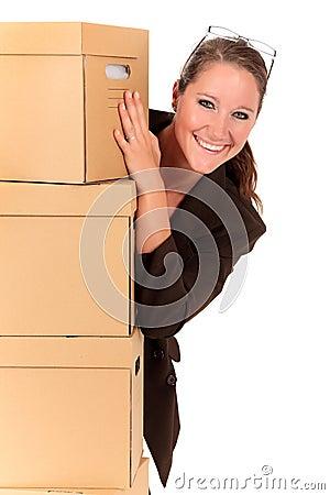 Economiser jusqu'à 40% sur vos envois (La Poste) Envoi-par-la-poste-de-femme-d-affaires-15632289