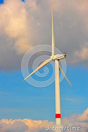 Eolian turbine in the clouds