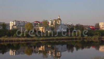 Epiphanykathedraal, April-avond Polotsk, Rusland stock video