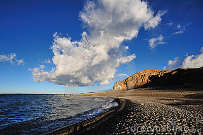 μπλε λευκό ουρανού σύνν&epsilon Εκδοτική Στοκ Εικόνες